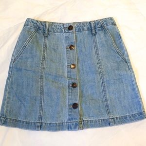 ✨ Forever 21 - Button Up Jean Mini Skirt